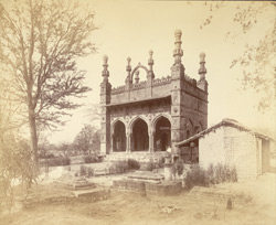 General view of the Damri Masjid, Ahmadnagar.